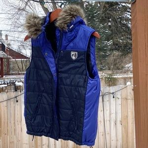 American Eagle puffer hooded vest